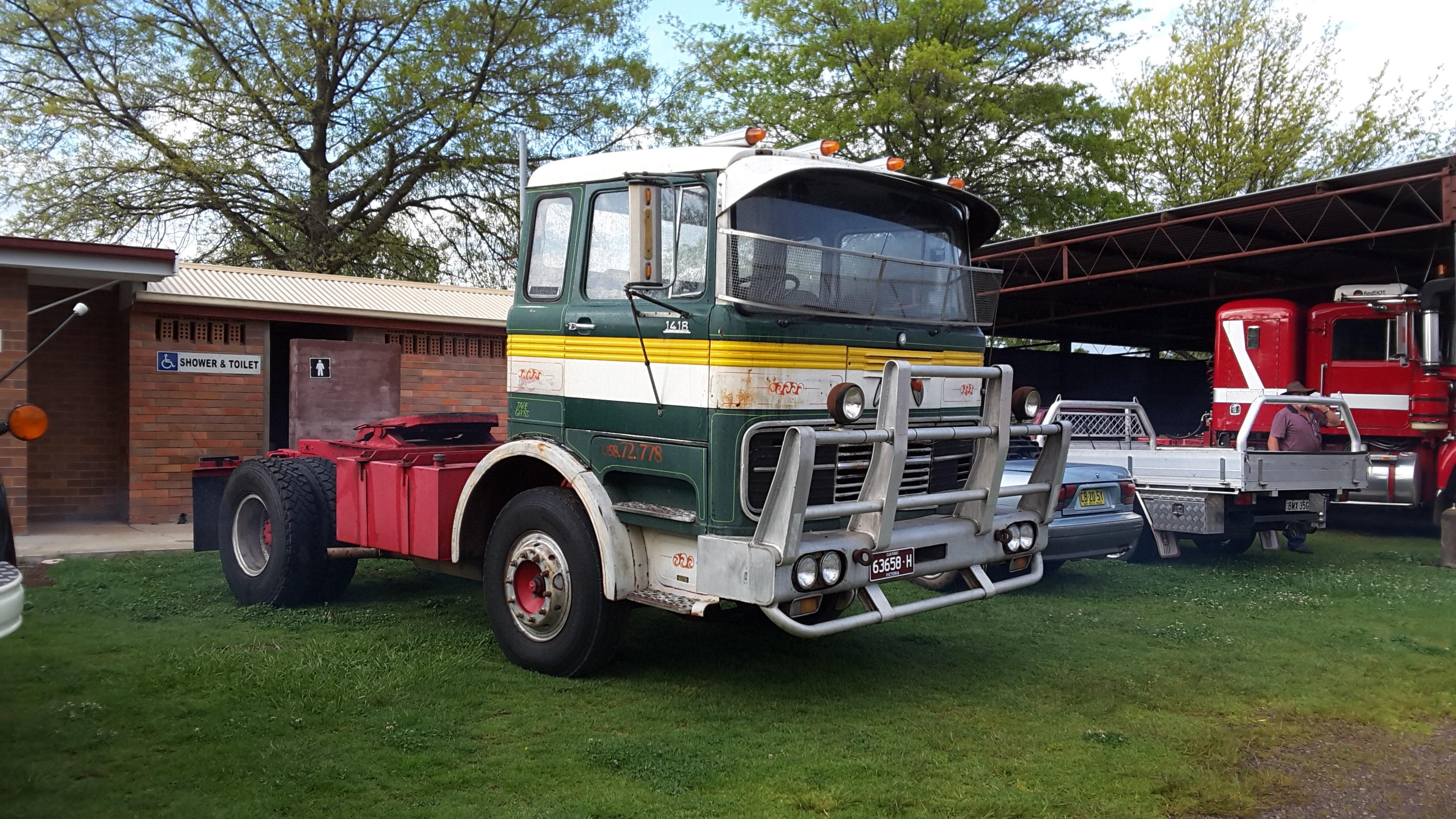 Biglorryblog classic mercedes trucks with an aussie twist for Old mercedes benz trucks